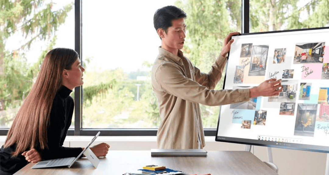 Microsoft Surface Hub – virtuelt mødested for teamwork og udveksling af ideer